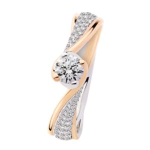 Solitario in Oro Rosa e Oro Bianco con diamanti